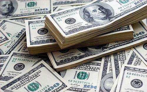 বিদায়ী বছরে প্রবাসী আয় ২১০০ কোটি ডলার