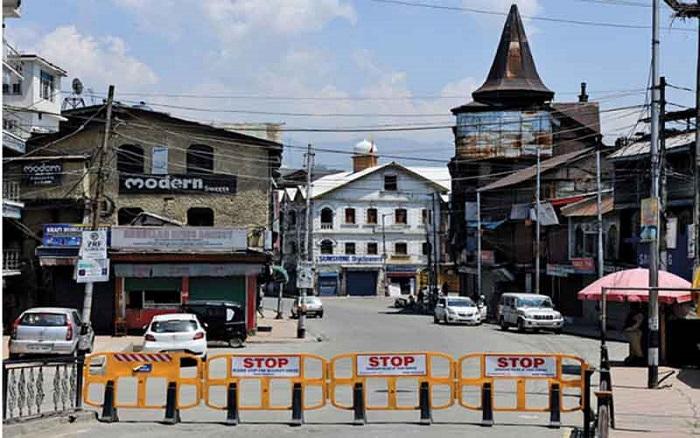 Lockdown restrictions intensified in Kashmir